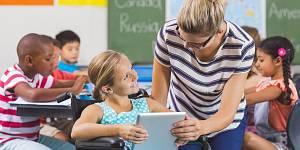Místní akční plán vzdělává asistenty pedagoga na Jesenicku